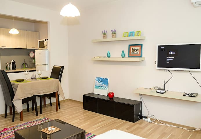 Bright & Central 1-BD Apt. with Terrace in Varna