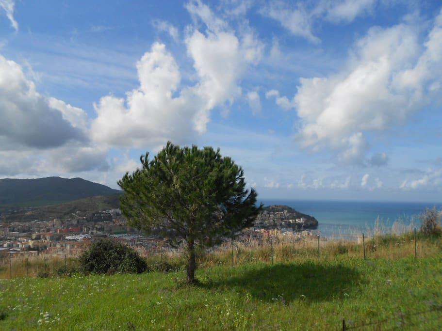 Ausblick auf Afgropoli u Golf von Salerno App4