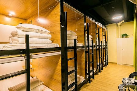 Cube Bed Station-Mix Dorm 1B