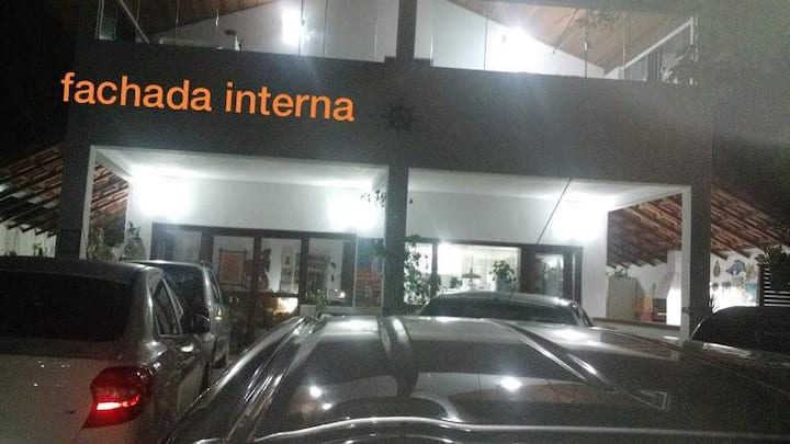 CASA CENTRO DE CAMBURI $ 400 REAIS PARA 5 PESSOAS