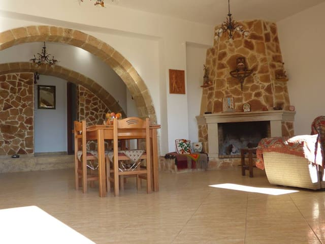 Creta Camara -Traditional Villa