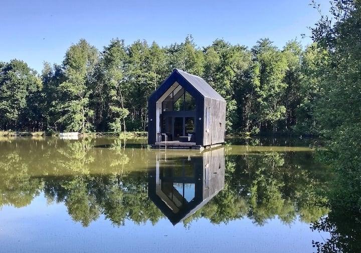 Victoria, Cabane insolite sur l'eau,Crach Morbihan