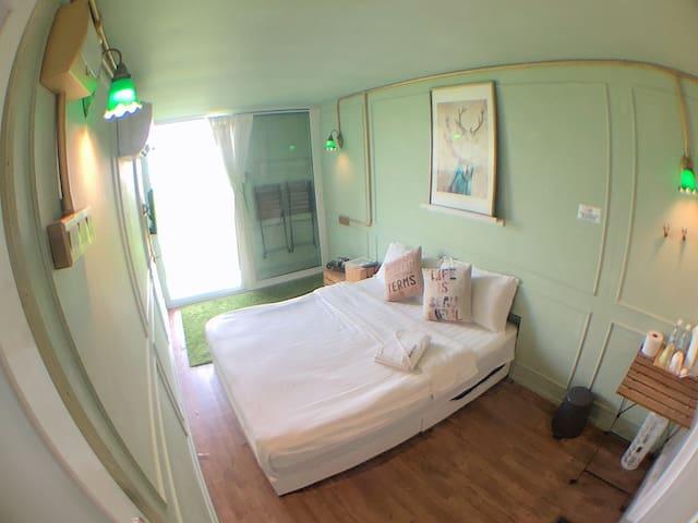 Padibox Sekinchan - Room for 2  (private balcony)