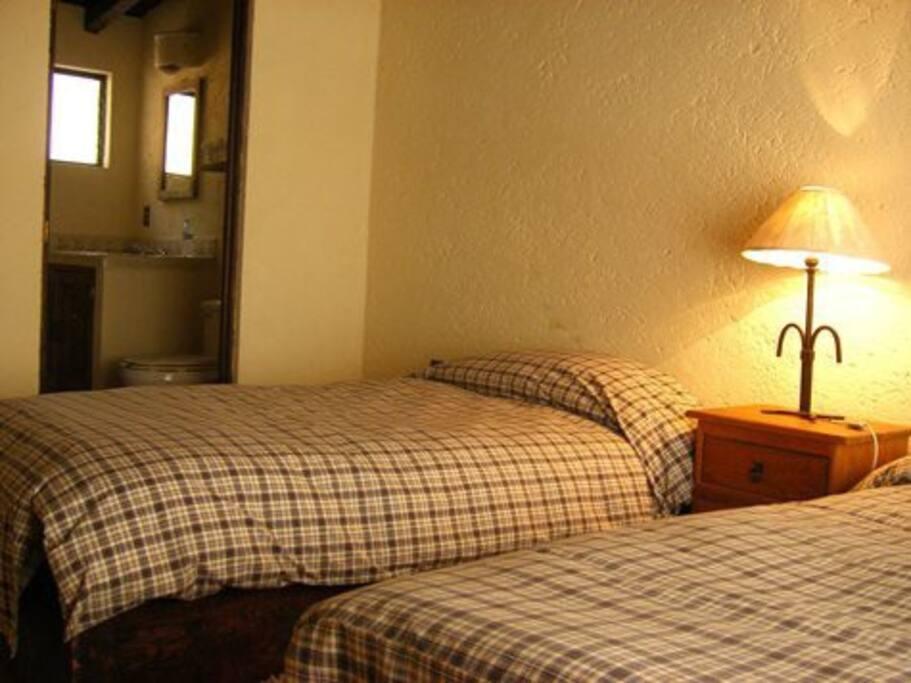 Double bedroom (2x Single beds)