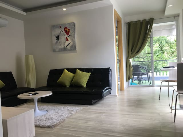 Chaweng Beach 200m-FAMILY friendly home+pool /A1/