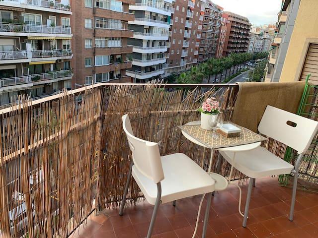 Habitación luminosa en Gràcia