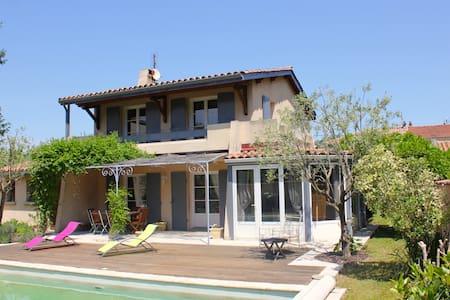 Maison individuelle ensoleillée avec piscine - Tournon-sur-Rhône