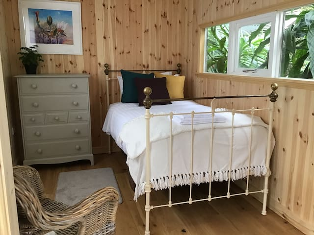 Greenhouse Cabin at Ventnor Botanic Garden