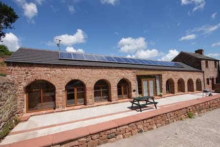 PHEASANT COTTAGE, Near Penrith, Eden Valley - Penrith
