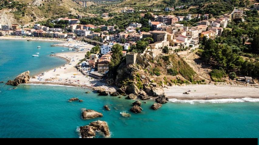 Discovering Sicily - Castel di Tusa - Daire