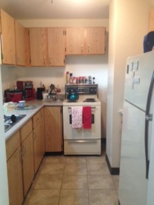Fully equipped kitchen, great for longer stays.