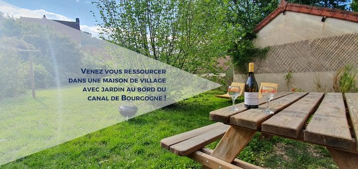 Ma Vie Là... au bord du canal de Bourgogne