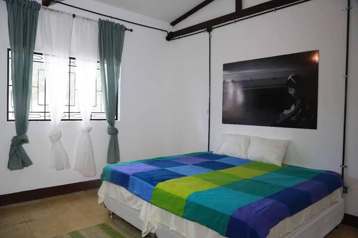 ACHB - hermosa y amplia habitación c/ b compartido