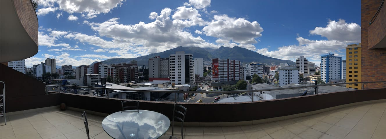 Quito Apartment with a view of Pichincha Volcano!