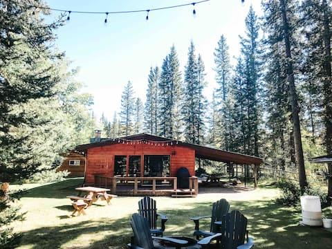 Riverside Bragg Creek Cabin