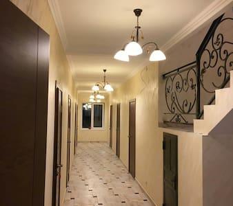 Уютная комната со всеми удобствами - опаренки  - Huis