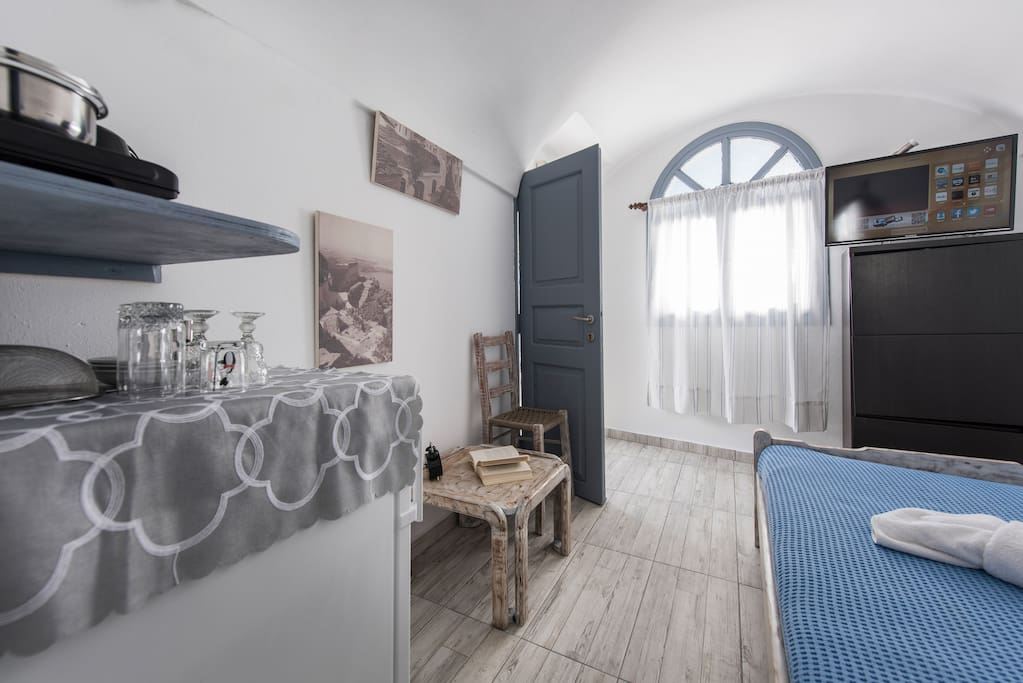 Rooms For Rent Santorini