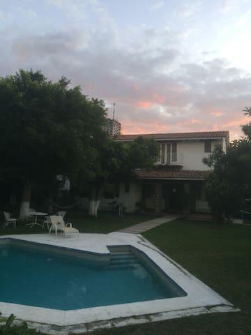 Casa con Alberca.