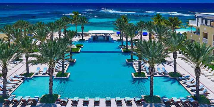 Breathtaking, luxurious, private Resort