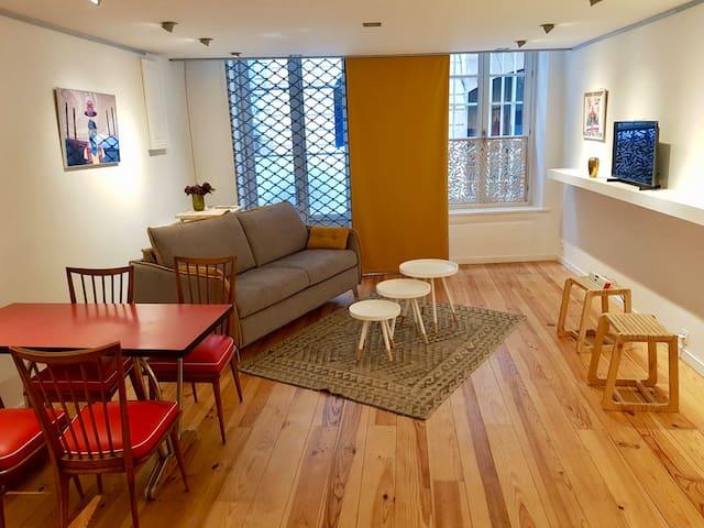 """Appartement """"Arty"""" chaleureux au coeur de Bordeaux"""