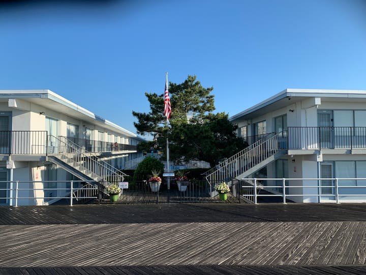 Beach Studio condo Sleeps 2; Seashore Club B-220
