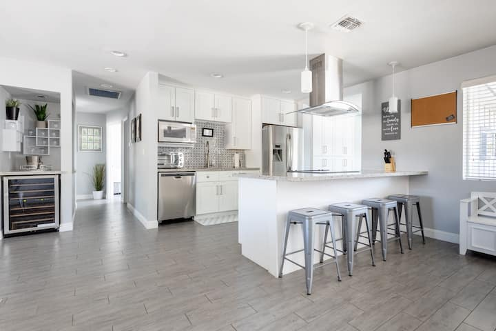 MODERN LUXE Home Near OLD TOWN SCOTTSDALE