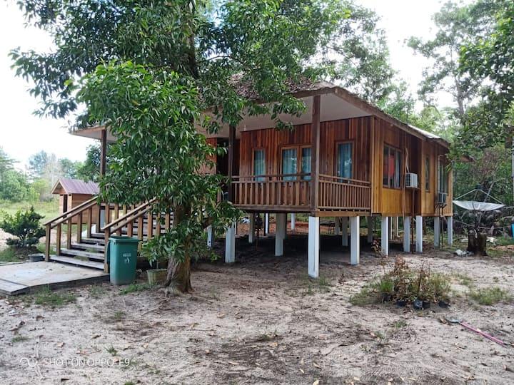 Camar Bulan Resort 3 Bedroom Villa