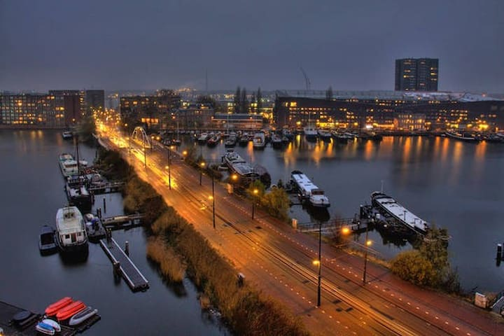 Spacious apartment with great river views - Amsterdam - Lägenhet