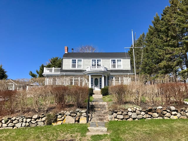 Luxury Chester Residence Steps Away from the Water - Chester - Talo