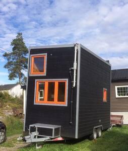 Minihus på hjul: Bed&Breakfast-Villa Snøfnugg - Geithus