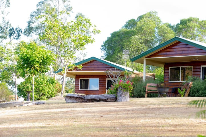 Amamoor Homestead & Country Cottages - Frangipani