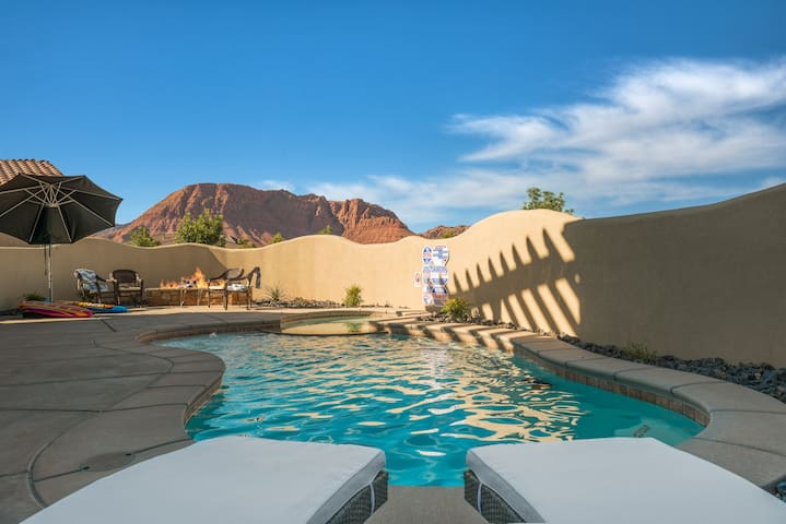 Paradise Palace in St George with Private Pool