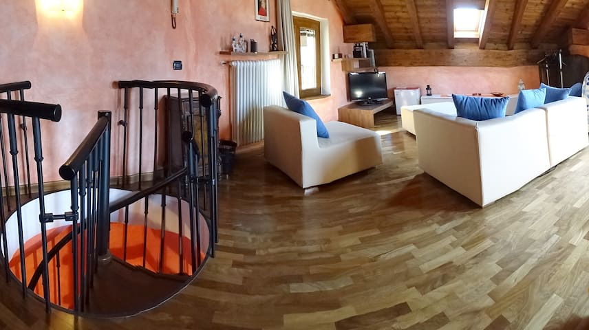 "Lake Como - B&B ""Casa della Musica"" - Mandello del Lario - Bed & Breakfast"