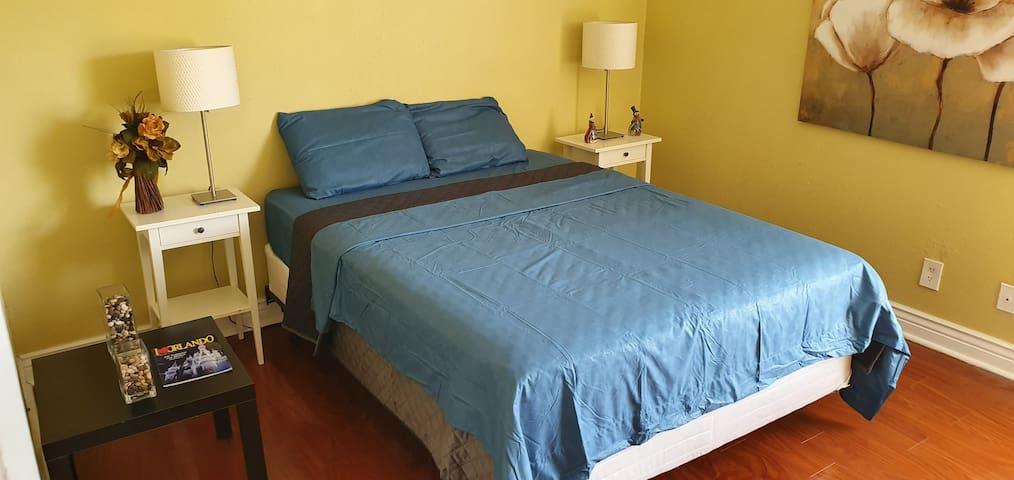 Cozy and quiet room with private bathroom Orlando