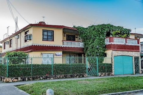 Villa Bosch & Yudi.Gran comfort y seguridad