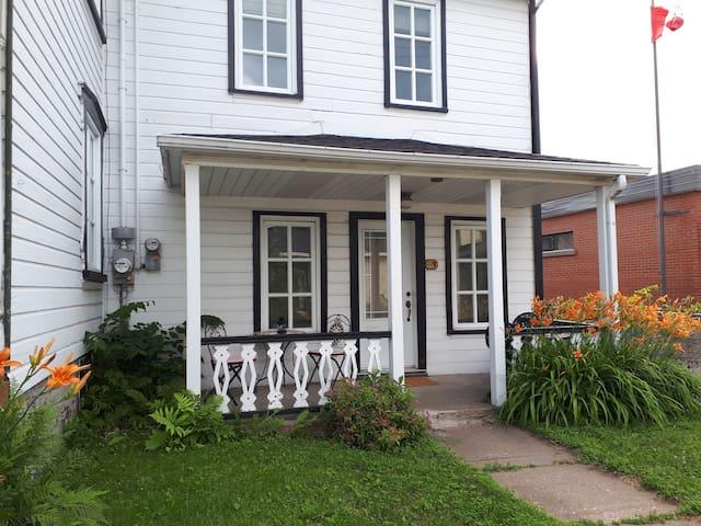 Chez BEDO  Logement tout inclus maison ancestrale
