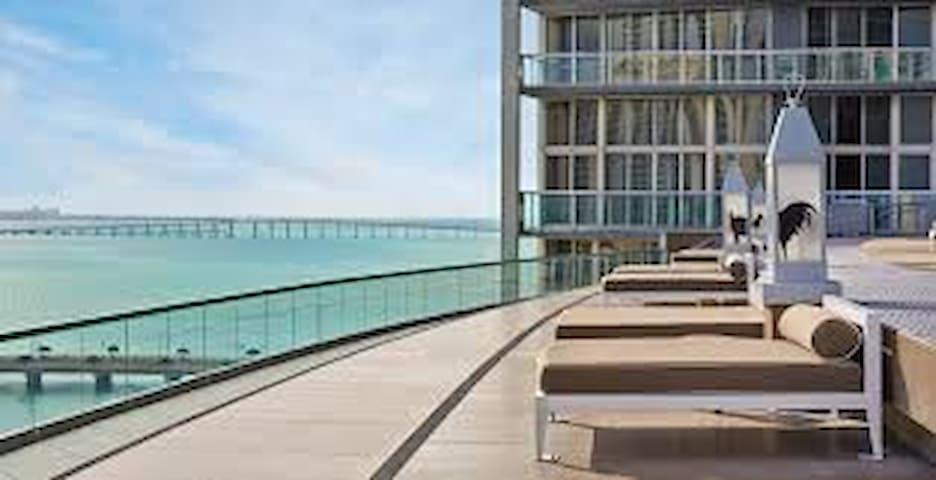 Icon *5 Star* River View FREE SPA/POOL @ W Hotel