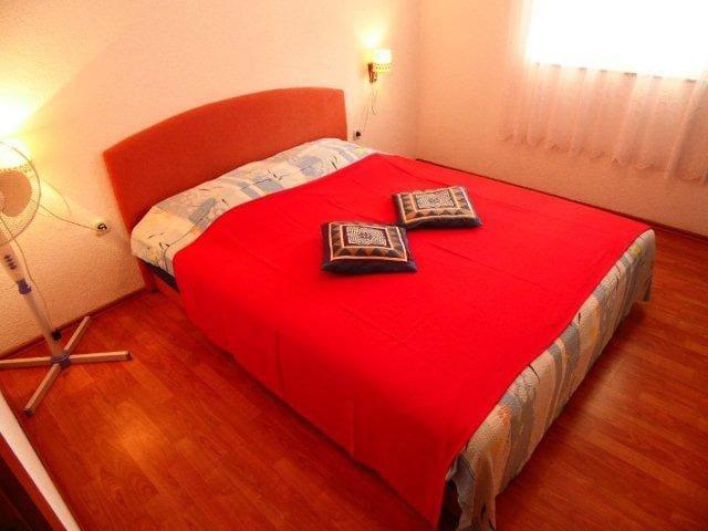 Apartmani Ivan Nikolic Vodice A2