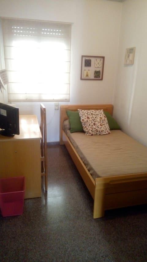 ALEGRÍA COLORIDA 2. Habitación individual!