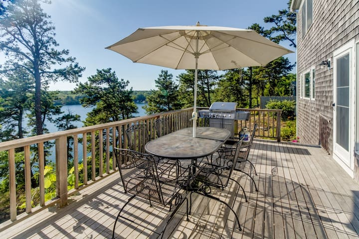 Dog-friendly lakefront home on Sheep Pond with bikes, deck, & gorgeous views!