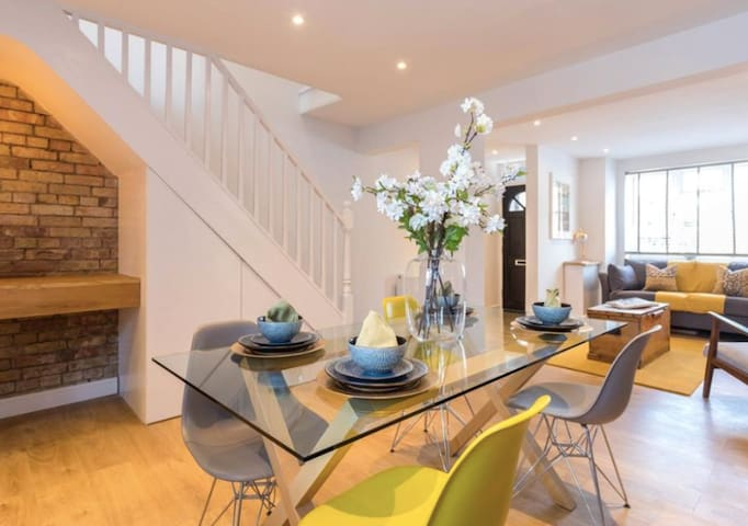 Attractive, Victorian Townhouse, Central Location