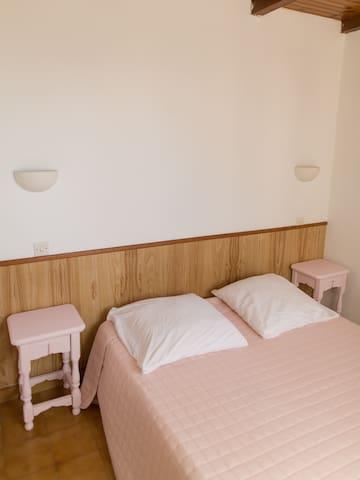 Chambre 1 lit 140 - 2 personnes
