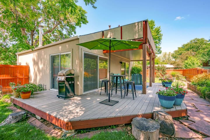 Spacious & Bright w/ Private Yard Dwntwn Boulder (12 mins)