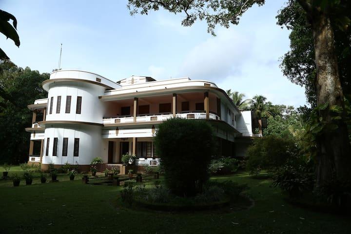AYANAT HOUSE HOMESTAY