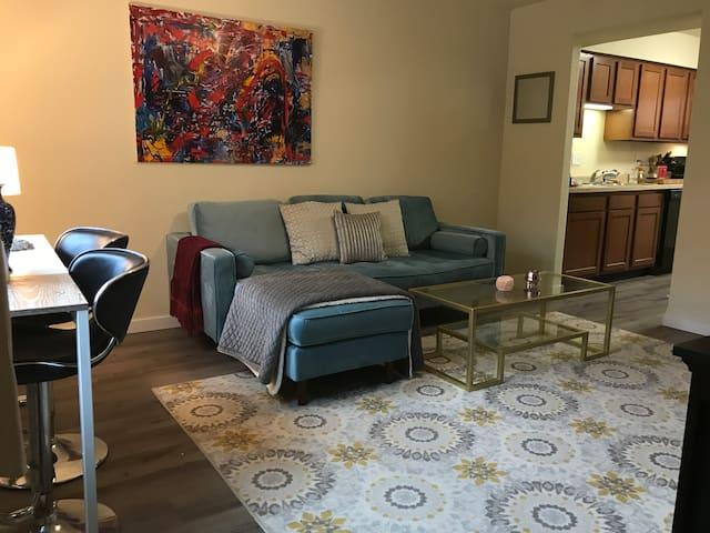 Spacious and Stylish 3 story Home- Steps to KU