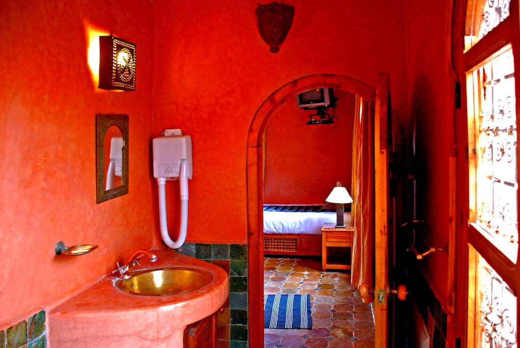 salle de bain traditionnelle marocaine