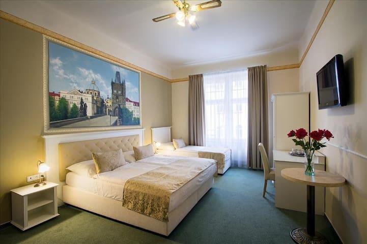 Standard Triple room in hotel TAURUS