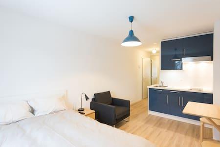 Clean Studio Near Uni *Great Value* Med/Long Term - Chavannes-près-Renens - Leilighet