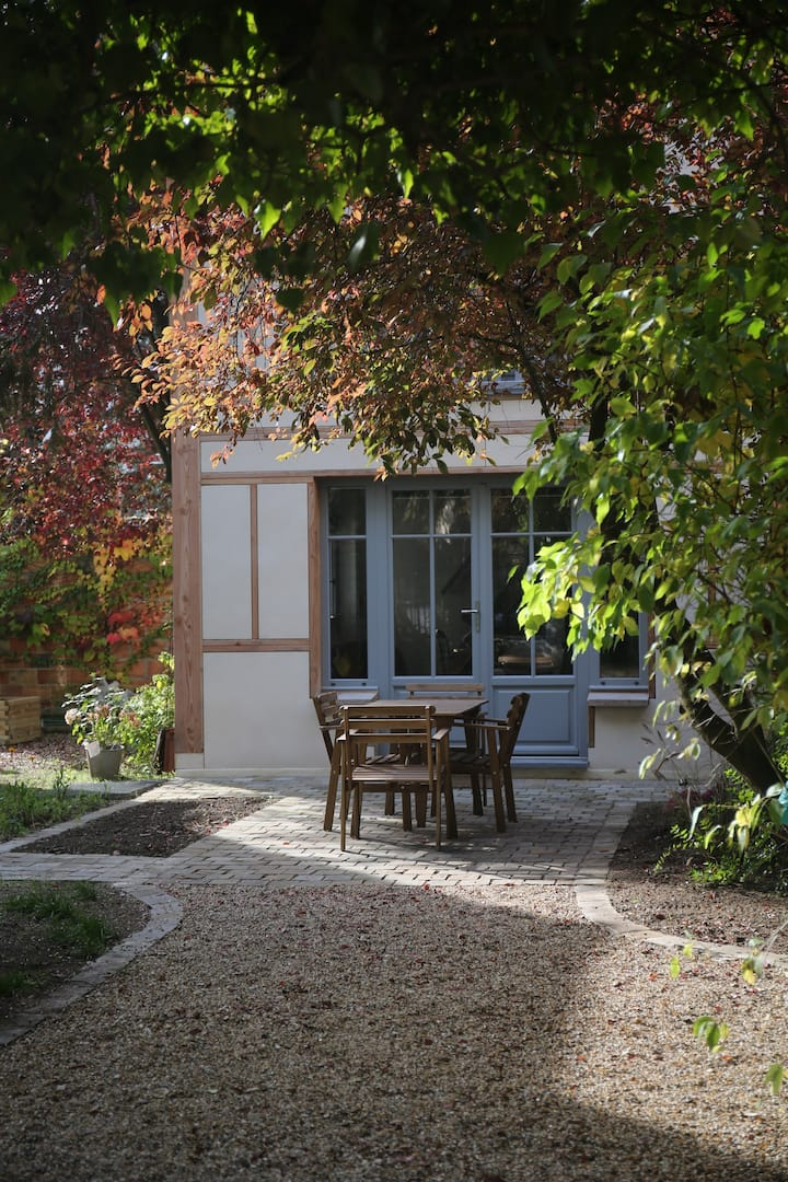 Charming house, 25 min. from Paris