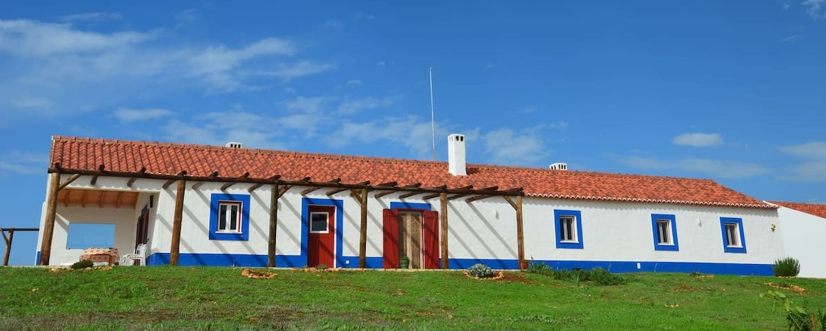 Peaceful farmhouse @ Alentejo